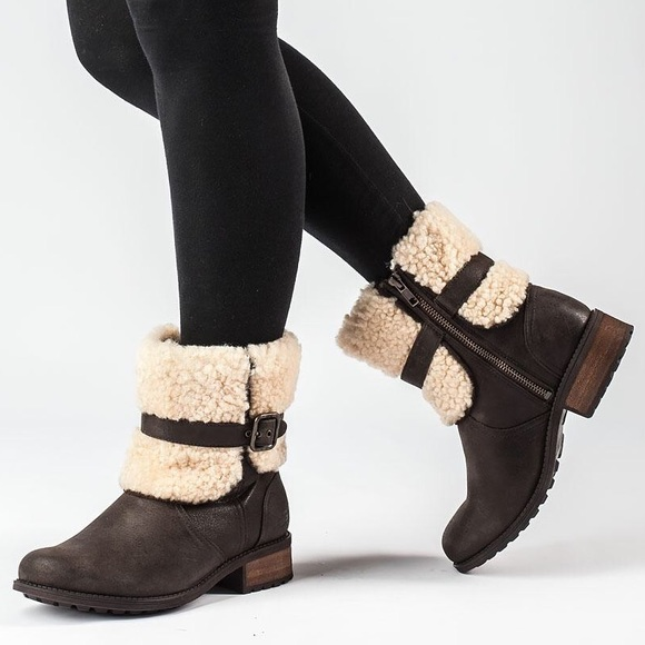 688890c7197 UGG Brown Blayre II Short Boots - Round Toe